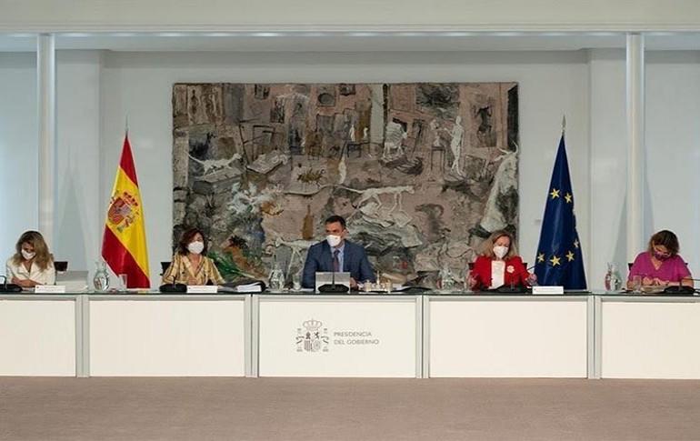 El Gobierno ha aprobado un plan de 1.320 millones de euros para autoconsumo y almacenamiento